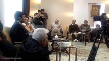 دیدار جمعی از هنرمندان و مسئولان استان کردستان با استاد دکتر فاتح عزت پور