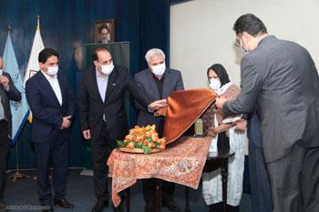 برگزاری مراسم اهدای تندیس و لوح ثبت میراث زنده بشری به استاد غلامحسین امیرخانی در مجموعه سعدآباد